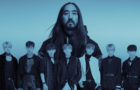 Steve Aoki & Monsta X : le single « Play It Cool » en version anglaise